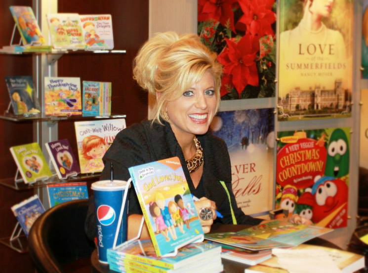 Michelle Adams Book Signing pic july 2013